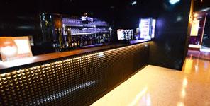 クラブジュール3階フロアーのバーカウンターです。VIP席としても利用可能
